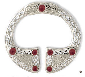 "The Pierowall Pennanular SBX15 3"" Shown in Sterling Silver Matt Finish with Garnets"