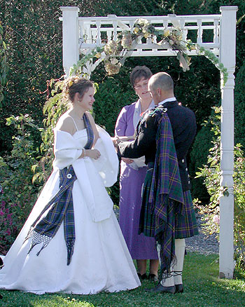 Scottish Wedding Love The Bride Wred In A Shawl Made Tartan Of Her Groom Description From Pinterest I Searched For This On Bing C